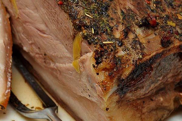 свинина одним куском в духовке
