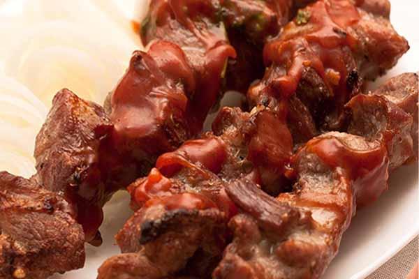 Интересные рецепты. Готовим свиной шашлык в духовке.